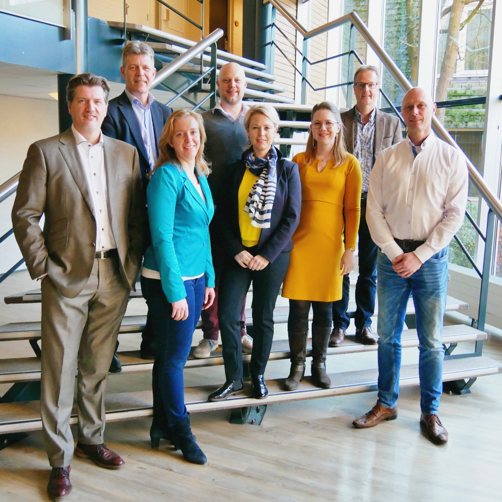 HSP & WERK - Executive HSP Program - Hoogsensitief hoogbegaafd directeur manager executive coaching ondernemer 3 groepsfoto